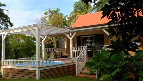 Habitation du comt bungalow du comt a sainte rose - Bungalow guadeloupe piscine privee ...